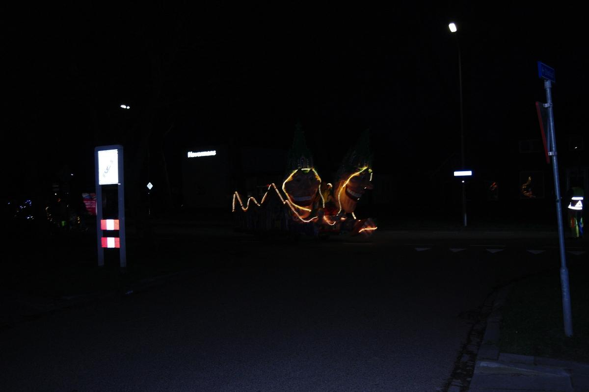 Lichtjesoptocht  Os Kee 2019 (1)
